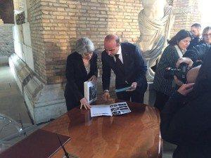 Il Direttore Generale Unesco Irina Bokova e il Direttore della BMTA Ugo Picarelli