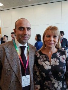 Il Direttore Ugo Picarelli con Elżbieta Bieńkowska Commissario Europeo per il Mercato interno, industria, imprenditoria e PMI