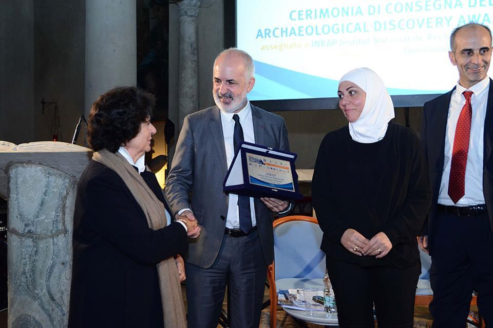 Dominique Garcia riceve il premio della II edizione dal Sottosegretario MiBACT Ilaria Borletti Buitoni e da Fayrouz Asaad